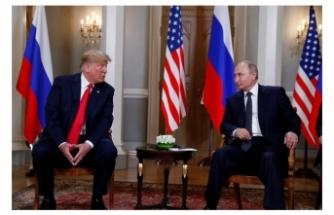 Trump ile Putin bir araya geldi!