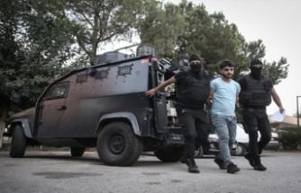 Adana'da terör operasyonu! Şifreli mesajla sokağa çıkacaklardı...
