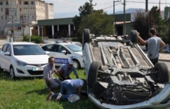 Bursa'da mucizevi kurtuluş! Hurdaya dönen otomobilden sağ çıktı