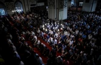 Bursalılar camilere akın etti!