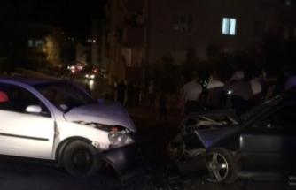 Bursa'da korkunç kaza! İki otomobil kafa kafaya çarpıştı: 6 yaralı