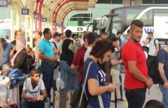 Bursa Terminali tatilcilerle doldu taştı!
