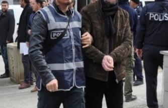 Laf atma tartışması kavgaya dönüştü! 2 polis darp edildi