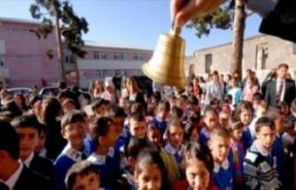 18 milyon öğrenci okula döndü! İki kentte ulaşım ücretsiz!