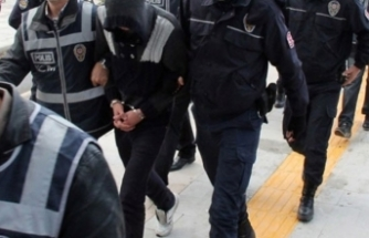 Bursa'da dev operasyon! Yüklü dolarla yakalandılar