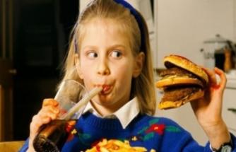 """""""Çocuklarımızın başarılarını fastfood ile ödüllendirmeyelim"""""""