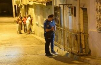 Dehşet anları! Kavgaya müdahale eden polis bıçaklandı