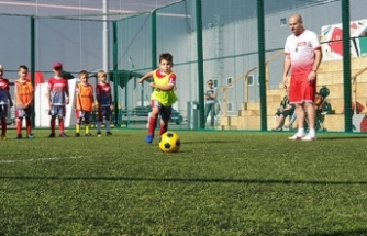 Rusya'nın ilk Türk futbol okulu açıldı