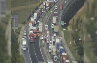 TEM'de kaza! Trafik yoğunluğu yaşanıyor