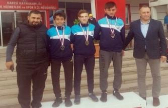 Bursa Osmangazili atletlerin madalya sevinci