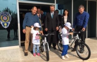 Bursa!da emniyetten çocuklara bisiklet