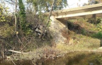 Köprüden uçan otomobilin sürücüsü 17 saat sonra...