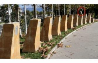 Şehit Parkı'nda skandal hırsızlık! 9 Türk büyüğünün büstü çalındı