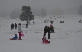 Bursa'da kayakçıları tipi bile durduramadı