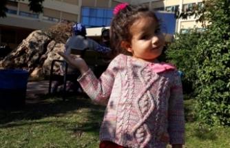 Bursalı Recep Sert'in hastanedeki yardımcısı minik kızı Hira