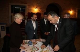 Büyükşehir'den kadınlara destek