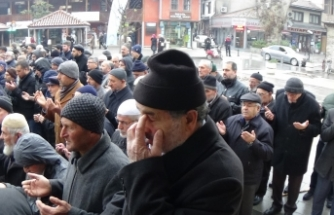 Doğu Türkistan'da ölenler için gıyâbî cenaze namazı kılındı