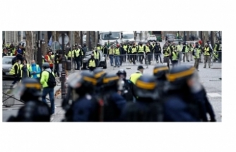 """Sarı Yeleklilere """"sokağa çıkmayın"""" çağrısı"""