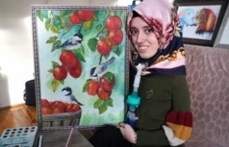 Bursa'da kas hastası genç kız umutlarını tuvali ve kalemiyle yaşatıyor