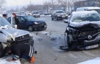 Bursa'da yollar buz pistine döndü!