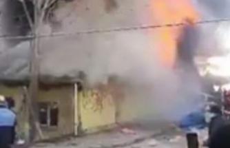 Bursa'da Suriyelilerin kaldığı ev alev alev yandı