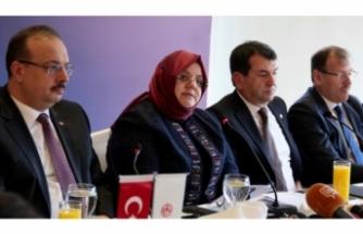 Bakan Selçuk'tan Bursa'da istihdam mesajı