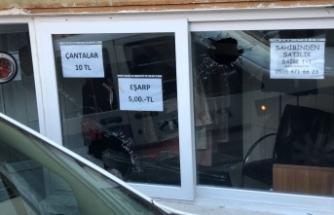 Bursa'da ilginç olay! Ellerindeki cam kesikleri ele verdi