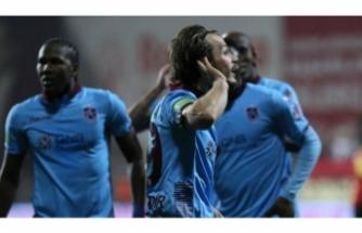 Trabzonspor'u yerli oyuncuları sırtlıyor
