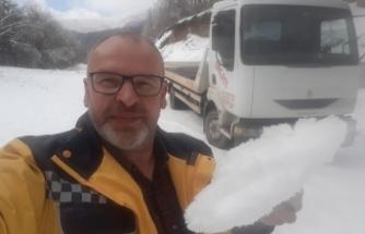Bursa'da kar yağışı hayatı olumsuz etkiliyor! Sürücüler yolda mahsur kaldı