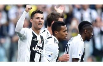 Cristiano Ronaldo adını tarihe yazdırdı!