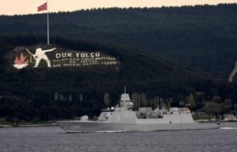 İspanya savaş gemisi Boğaz'ı geçti