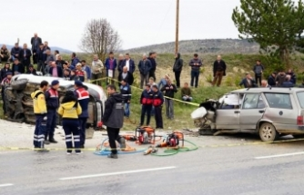 Seyir halinde nişanlısıyla tartışan sürücü, felakete yol açtı