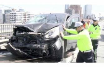 TEM'deki kaza trafiği felç etti!