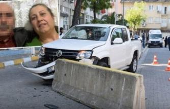 29 yıllık eşini öldürdü, karakola aracıyla daldı...