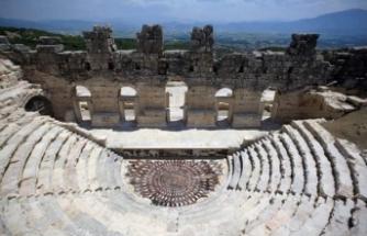 Kışın kapanan Medusa Mozaiği ziyarete açıldı