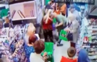 Vicdansız adam markette çocuğun boynunu kırmaya çalıştı