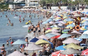 İstanbullular oy kullanmaya gitti, plajlar Egeliler ile turistlere kaldı