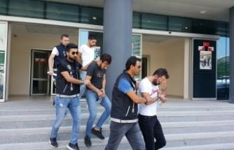 Bursa'da gazoz şişelerini uyuşturucuyla doldurup polisi şaşırtmaya çalıştılar