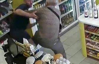 Yaşlı adam, markette tecavüzü son anda önledi