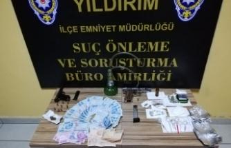 Bursa'da uyuşturucu yuvasına baskın