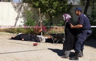 Bursa'da eşi boşanmak istediğini söyledi, yarım saat sonra fenalaşıp öldü