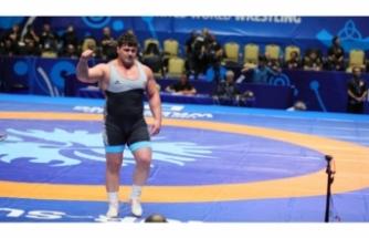 Milli güreşçimiz Rıza Kayaalp 4. kez dünya şampiyonu!