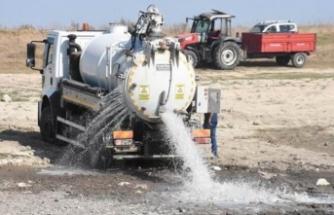 Oruçlu Göleti'ne tankerle 170 ton su bırakıldı