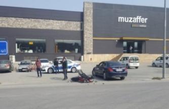 Bursa'da feci kaza! Motosiklet ve otomobil kafa kafaya çarpıştı!
