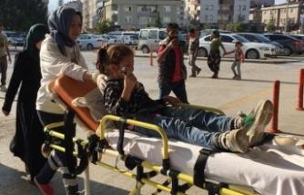 Bursa'da kazada yaralandı, çikolatasını bırakmadı