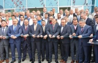 Kasapoğlu, Bursa'da Naim Süleymanoğlu Spor Kompleksi'nin açılışını yaptı