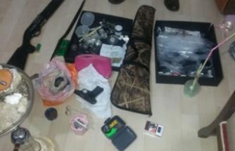 Bursa'da gece baskını! Çok sayıda uyuşturucu ve cephanelik çıktı!