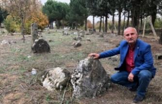 Bursa'nın bu köyünde her yerden tarihi mezar çıkıyor