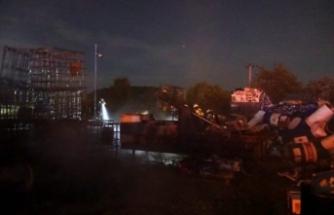 Bursa'da hurdalık yangını! Patlama sesleri duyuldu
