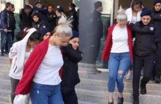 Bursa'da kapılar koçbaşlarıyla kırılmıştı tutuklandılar